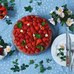 Брауни торта с ягоди