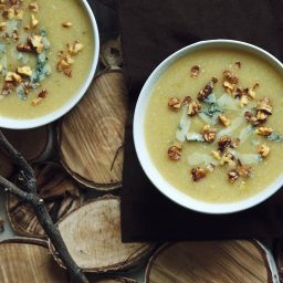Зимна супа с печен лук