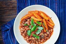Червен боб с печени моркови